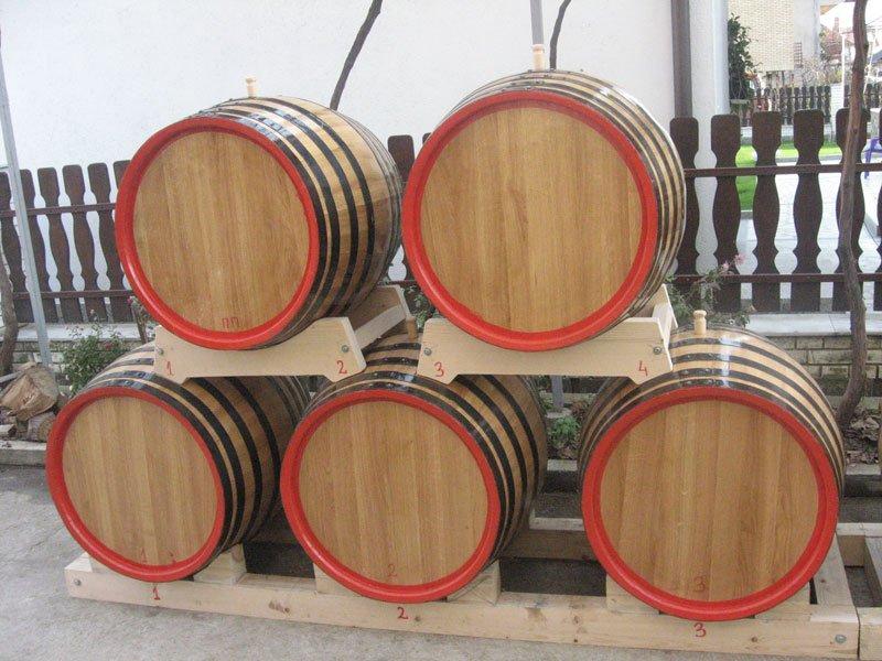 Ilustracija: burad za rakiju, foto: http://www.barriquedjordjevic.com