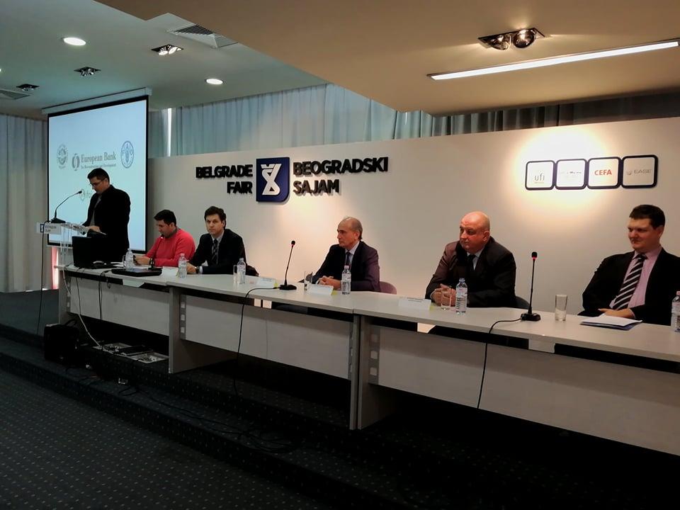 Ilustracija: Učesnici konferencije, foto. S.K.
