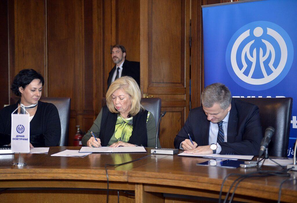 Ilustracija: potpisivanje sporazuma, foto: Dunav osiguranje