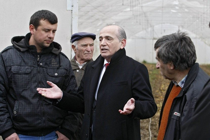 Ilustracija: Milan Krkobabić u poseti selima u opštini Mladenovac