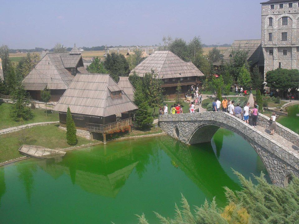 Ilustracija: etno selo Stanišići