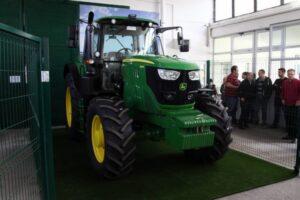 Ilustracija: traktor, foto:http://www.mojnovisad.com