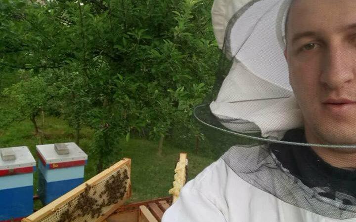 Upoznajte mladog pčelara iz Raške
