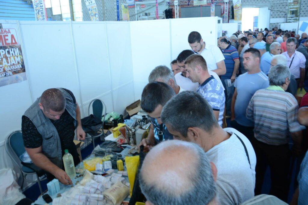 Ilustracija: Pčelarski sajam u Vranju, foto: SPOS