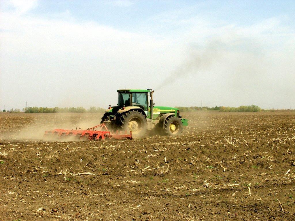 Ilustracija: priprema zemljišta, foto: Domaćinska kuća