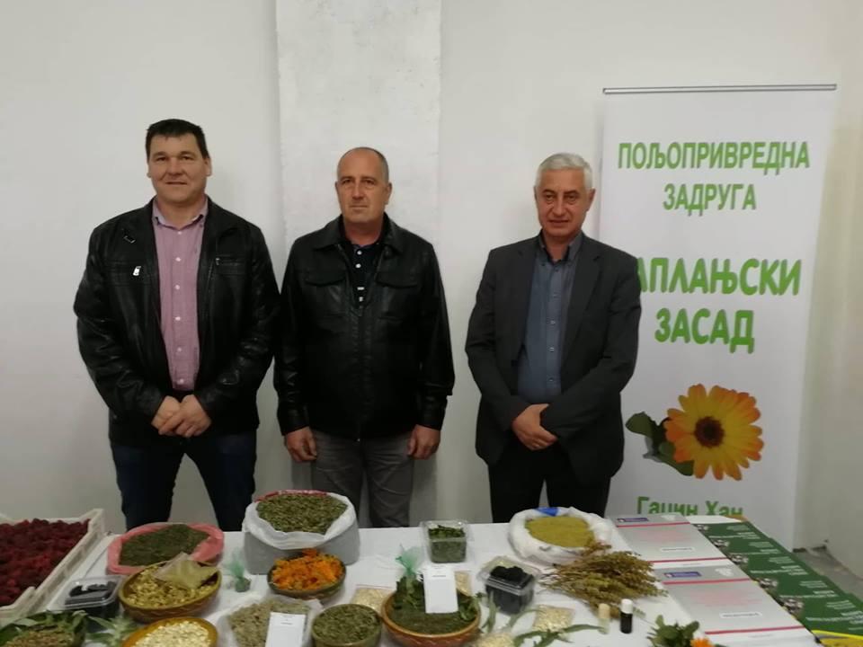 Ilustracija: Direktor Zadruge, predsednik opštine i većnik za poljoprivredu, foto: Domaćinska kuća