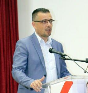 Ministar Nedimović, fotografija: Marko Miladinović, Domaćinska kuća