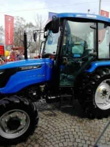 Ilustracija: Traktori, foto: Svetlana Kovačević, Domaćinska kuća