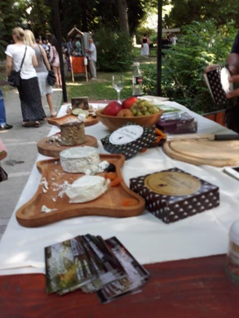 Ilustracija: izložba sireva u Botaničkoj bašti, foto: Domaćinska kuća