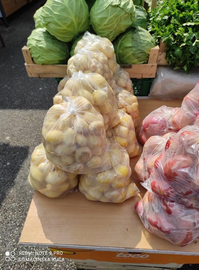 Ilustracija: mlad krompir, foto: Svetlana Kovačević