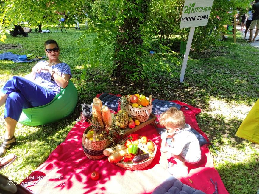 Ilustracija: I deca uživaju, foto: Svetlana Kovačević