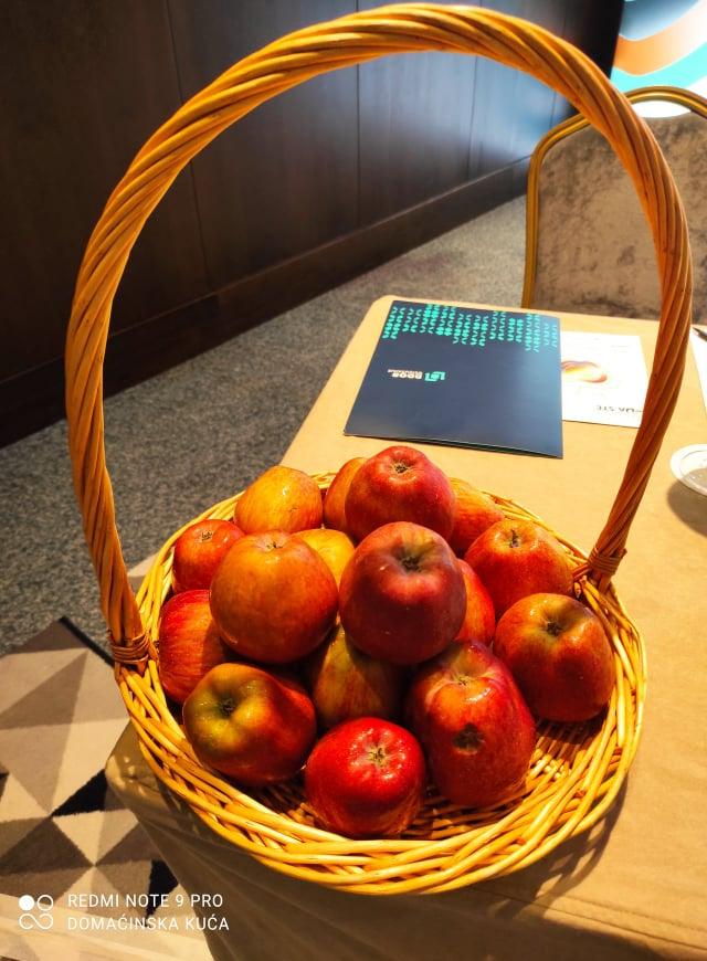 Ilustracija: Pojedite jednu jabuku dnevno